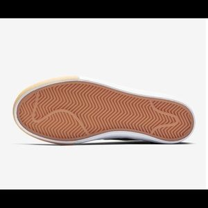 Nike Shoes - NIB Woman's Nike SB Bruin Hi Brown Size 7